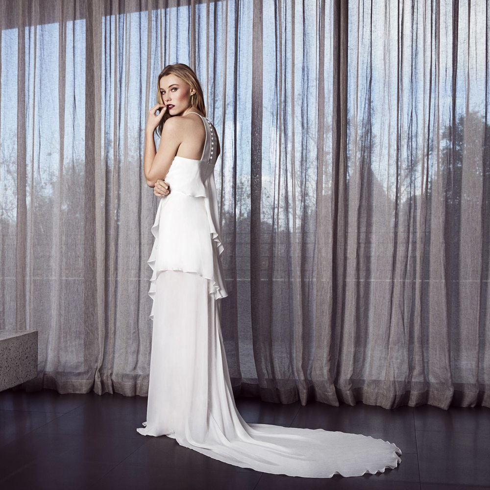 fionaclaire_melbourne_sydney_weddingdresses_essenceback.jpg