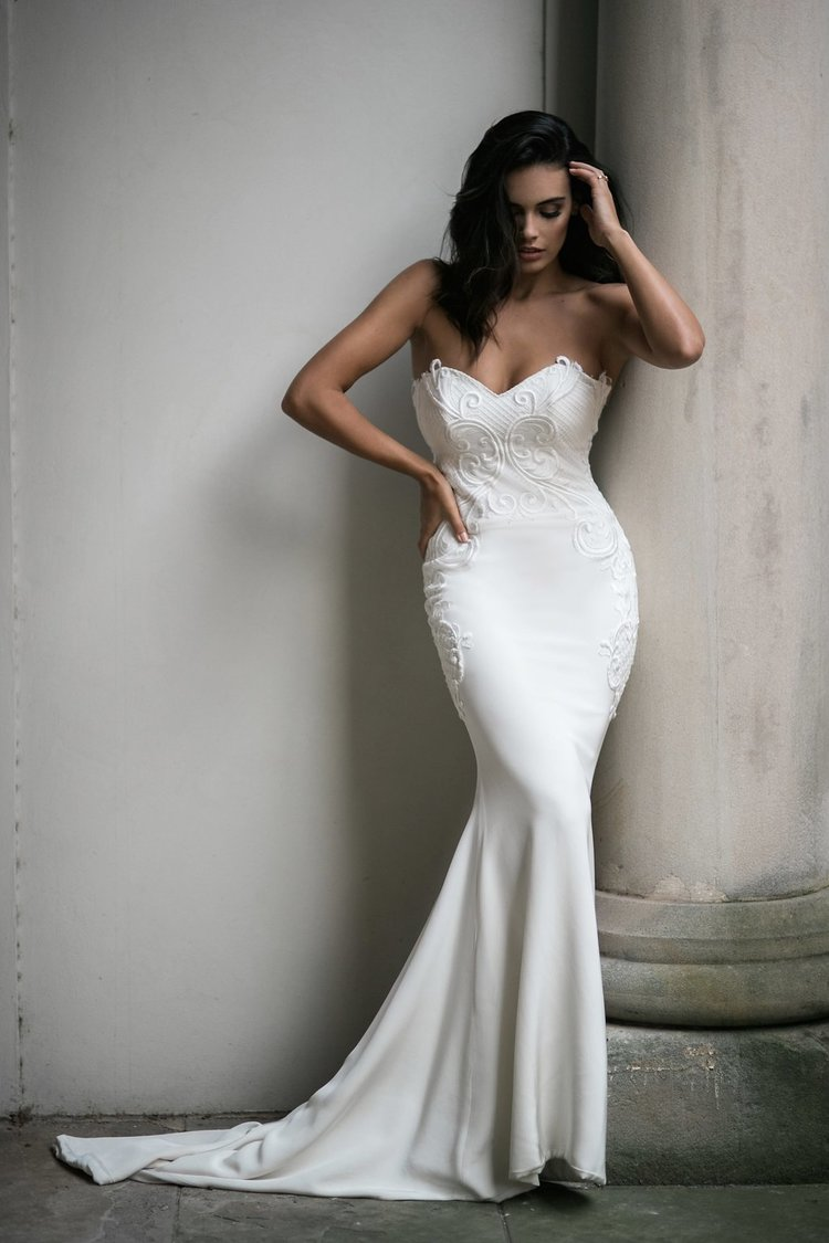Our Guide To Couture Wedding Dresses - Moira Hughes Couture featured on LOVE FIND CO.