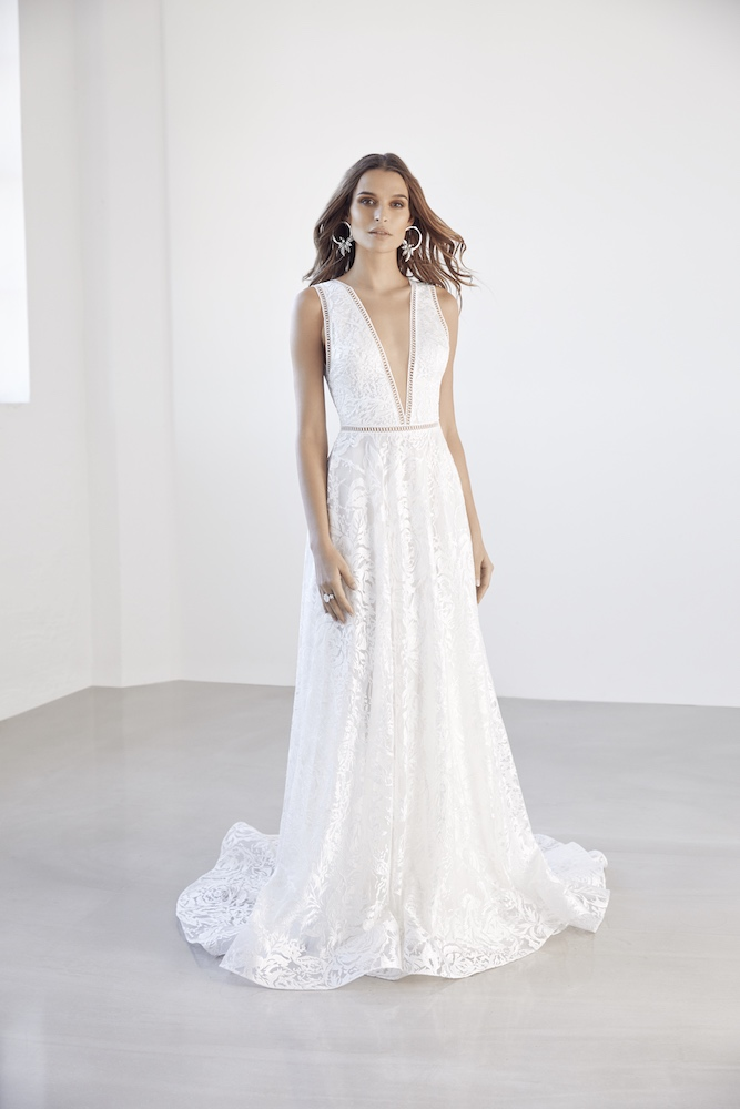 Suzanne Harward Lustrous Wedding Dress as featured on LOVE FIND CO.