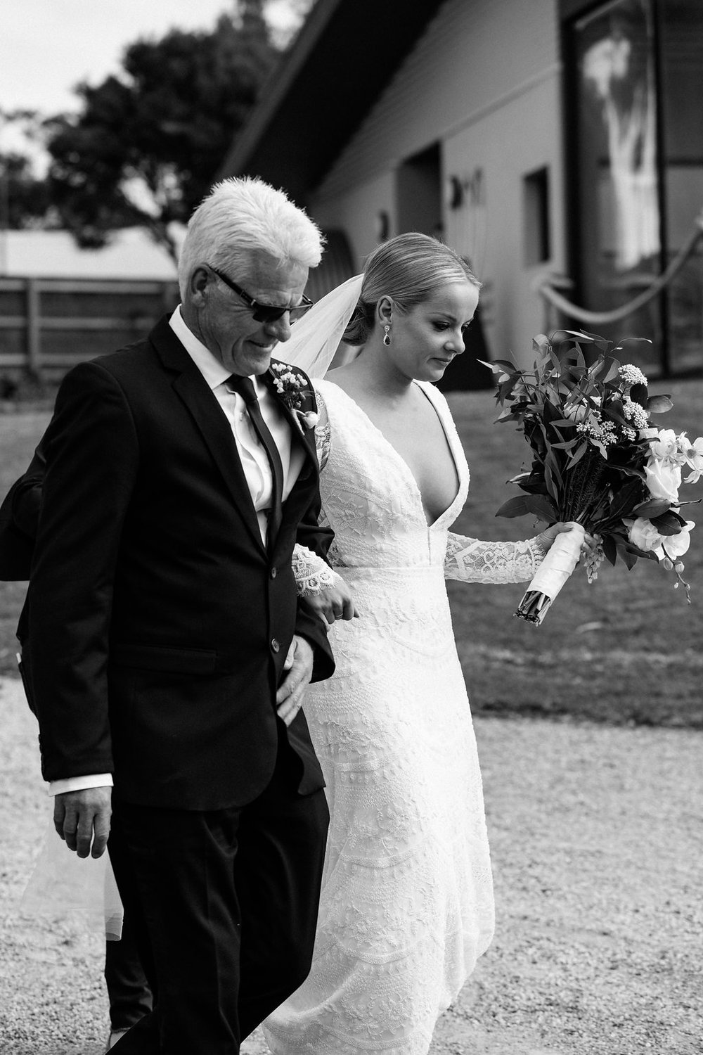 Real Wedding of Stephanie and Simon featured on LOVE FIND CO.