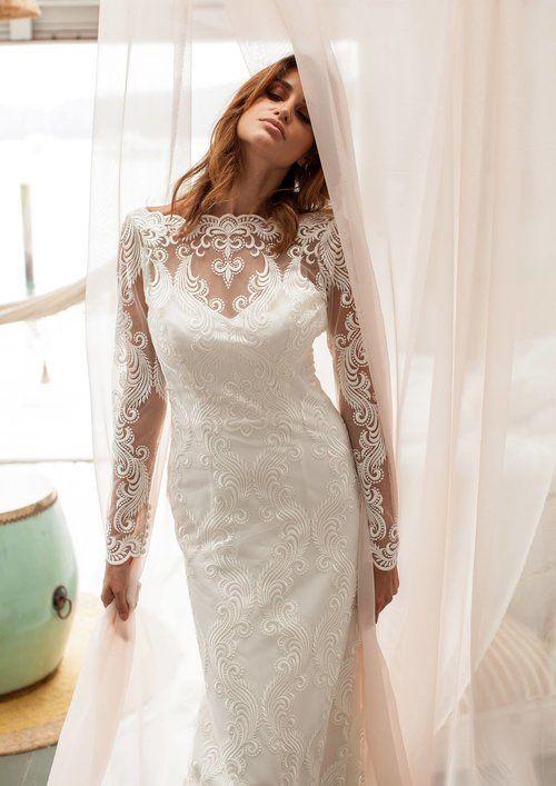 Jennifer Go Bridal wedding dress featured on LOVE FIND CO.