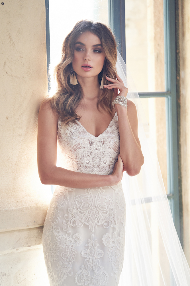 Harlow wedding dress by Anna Campbell features on LOVE FIND CO.