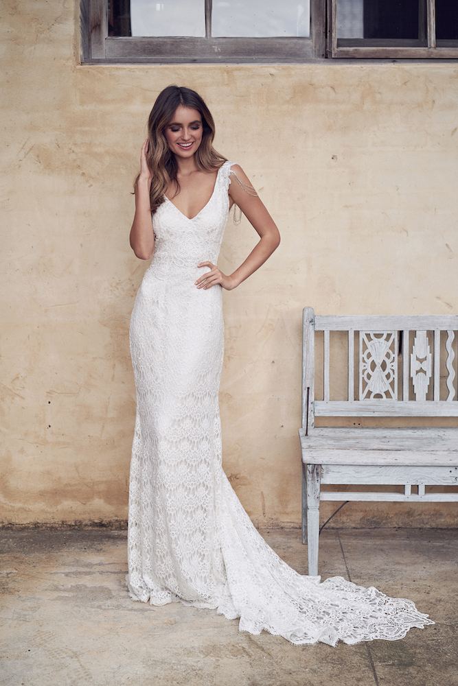 Sasha wedding dress by Anna Campbell featured on LOVE FIND CO.