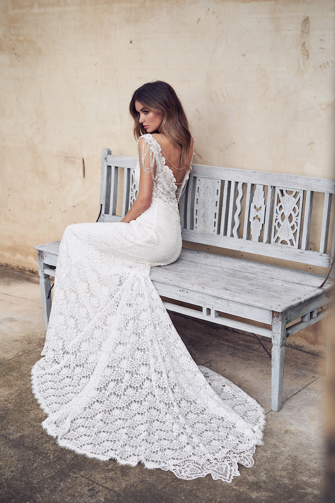 c483b2b4383c Sasha wedding dress by Anna Campbell featured on LOVE FIND CO.