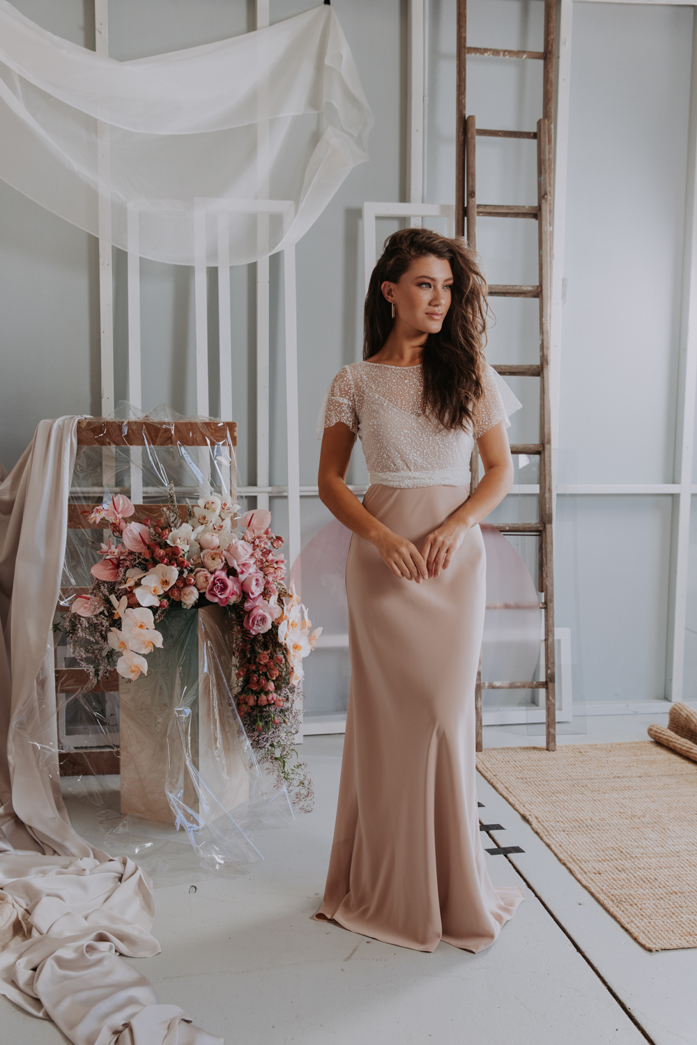 Jennifer Gifford wedding dress featured on LOVE FIND CO.