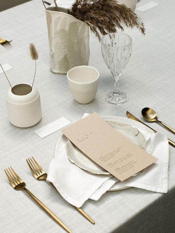 Modern Minimalist Wedding Inspiration on LOVE FIND CO.