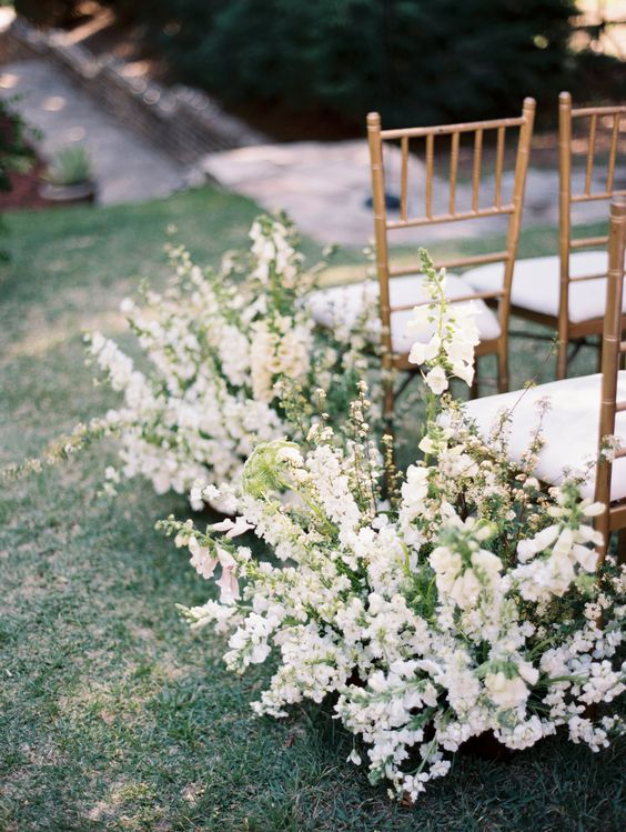 Photography by  Winsome & Wright  & Florals by  Running Wild Florals