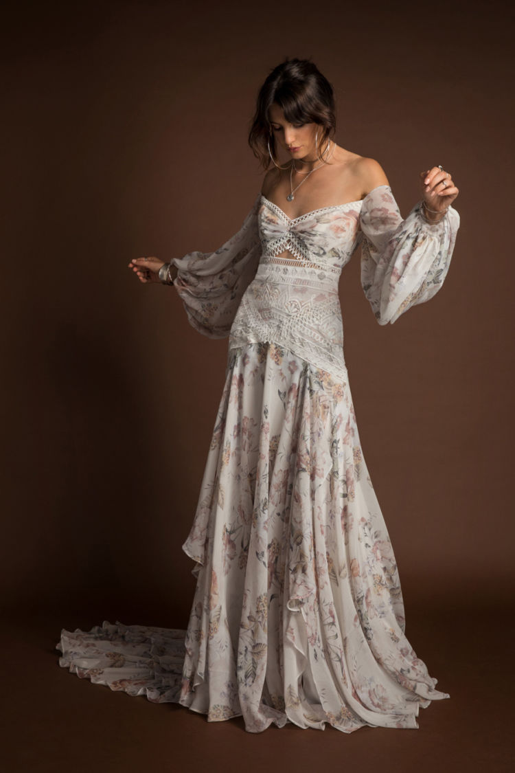 10 Wedding Day Looks For The Non Traditional Bride Love Find Co