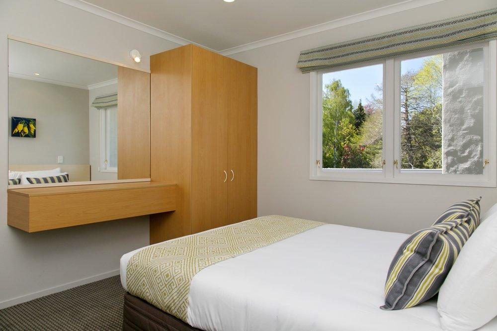deluxe one bedroom bedroom 12-min.jpg