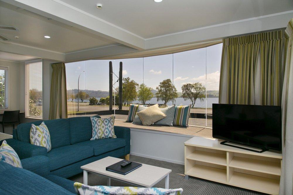 deluxe one bedroom living area 2-min.jpg