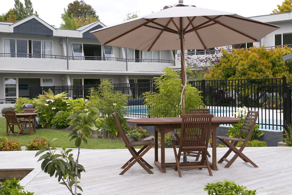 pool from front deck showing BBQ area-min.jpg