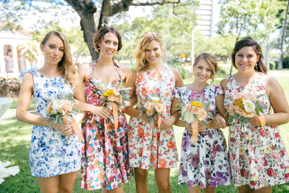 bridesmaids posing.JPG