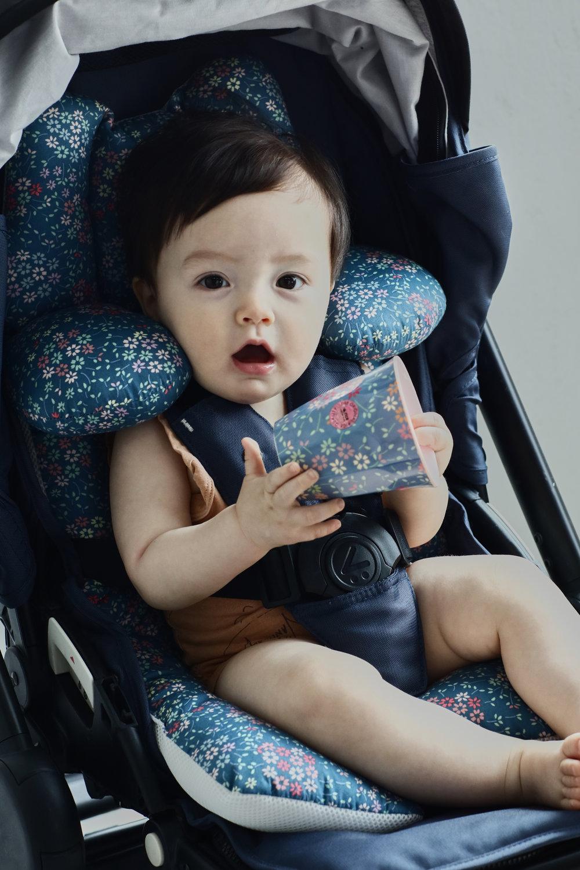 STROLLER LINEER /일체형 유모차 라이너   유모차 및 카시트에 장착하는 일체형 유모차 시트입니다. 목을 보호할 수 있는 쿠션이 있어 아이의 목 뒷틀림을 방지해주고 아이가 크면 목쿠션은 뒤로 빼서 사용가능합니다.  A very easy to attach liner for stroller and car seats with removable neck cushions.