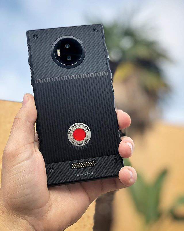 It's fun to be a part of the future.  Thanks @reddigitalcinema for rushing this out to me, been playing with it all day!  @red.hydrogen  #redhydrogenone #redhydrogen #h4v