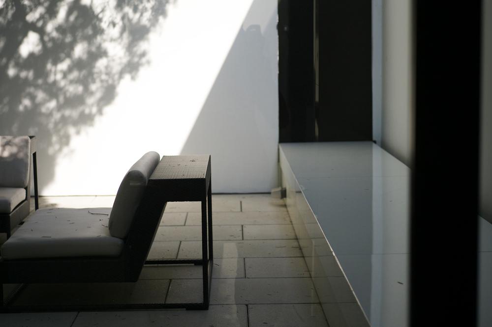 minimalist-courtyard_6148834663_o.jpg