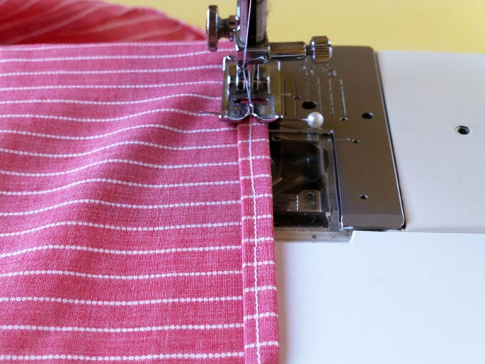 how_to_sew_a_rolled_hem_4