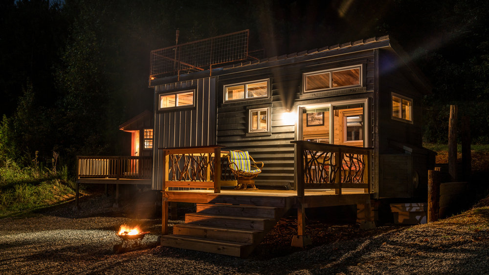 Awe Inspiring Shangri Little Tiny House Live A Little Chatt Largest Home Design Picture Inspirations Pitcheantrous