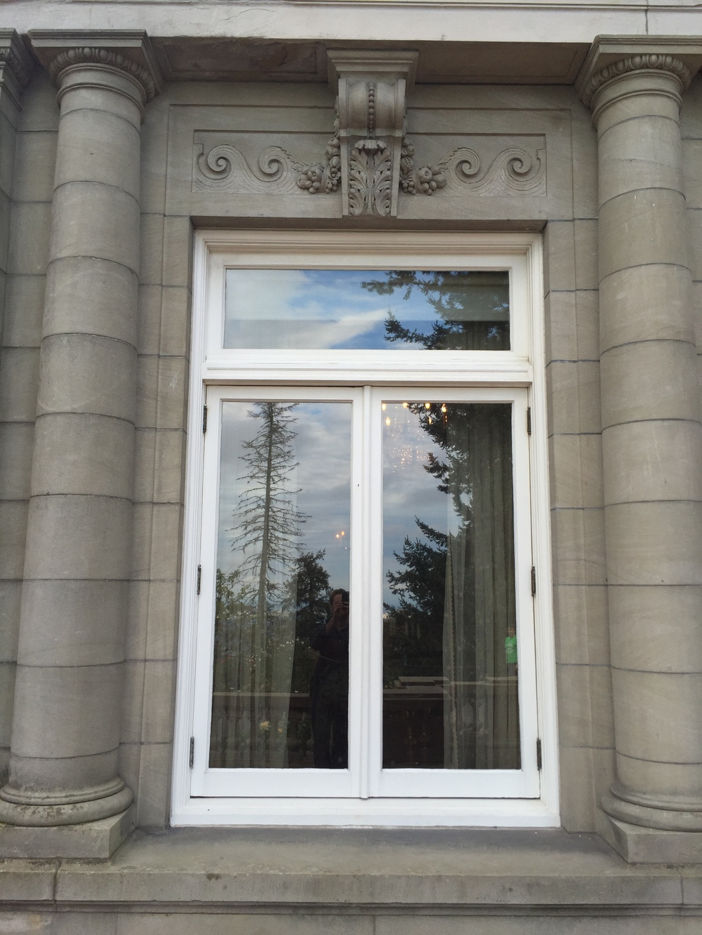Fig. 4 Pittock Mansion, Front Window Surround with Ionic Motifs, Photo by Author
