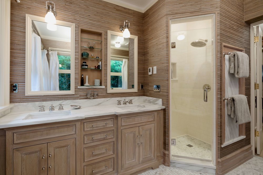 Portland Oregon bathroom design. A bright & cheerful place to get ready in the morning.