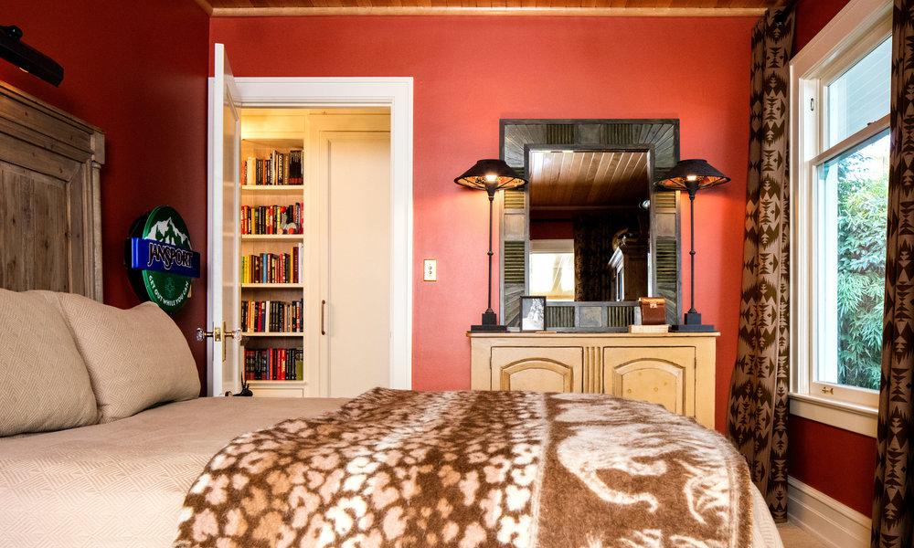 back-bedroom.jpg