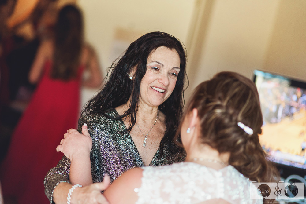 cast-away-los-angeles-wedding-getting-ready-16.JPG