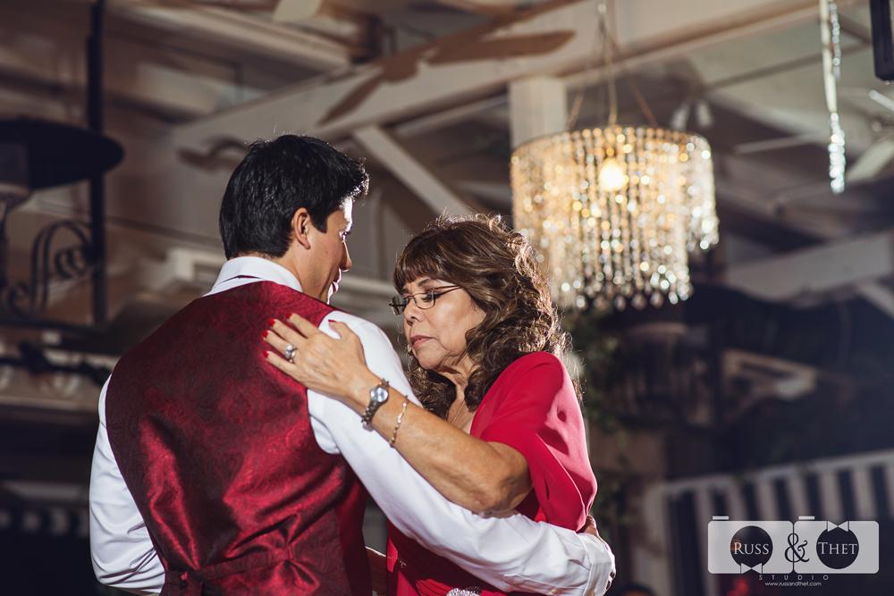 Ontario-wedding-photographer (32).jpg