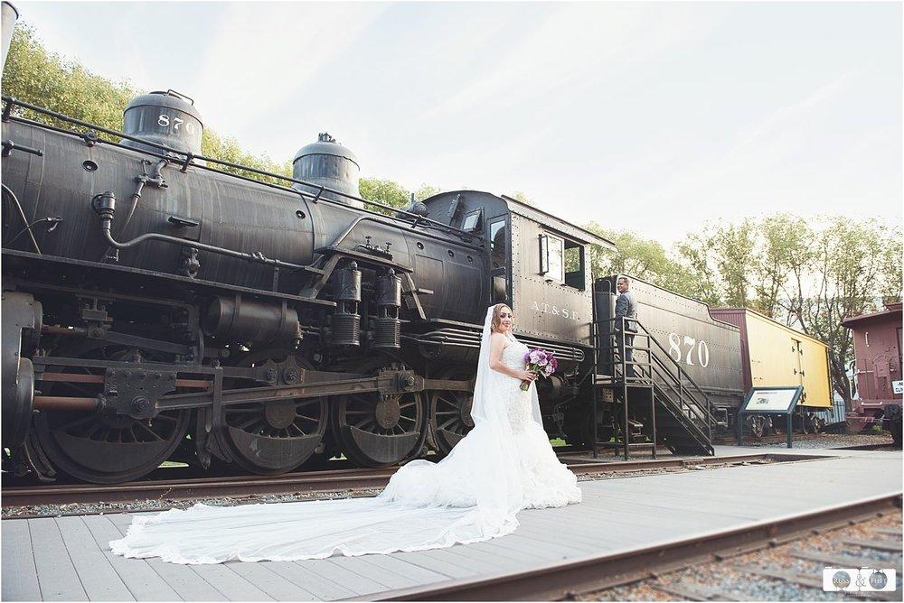 Santa-fe-springs-heritage-park-wedding (6).jpg