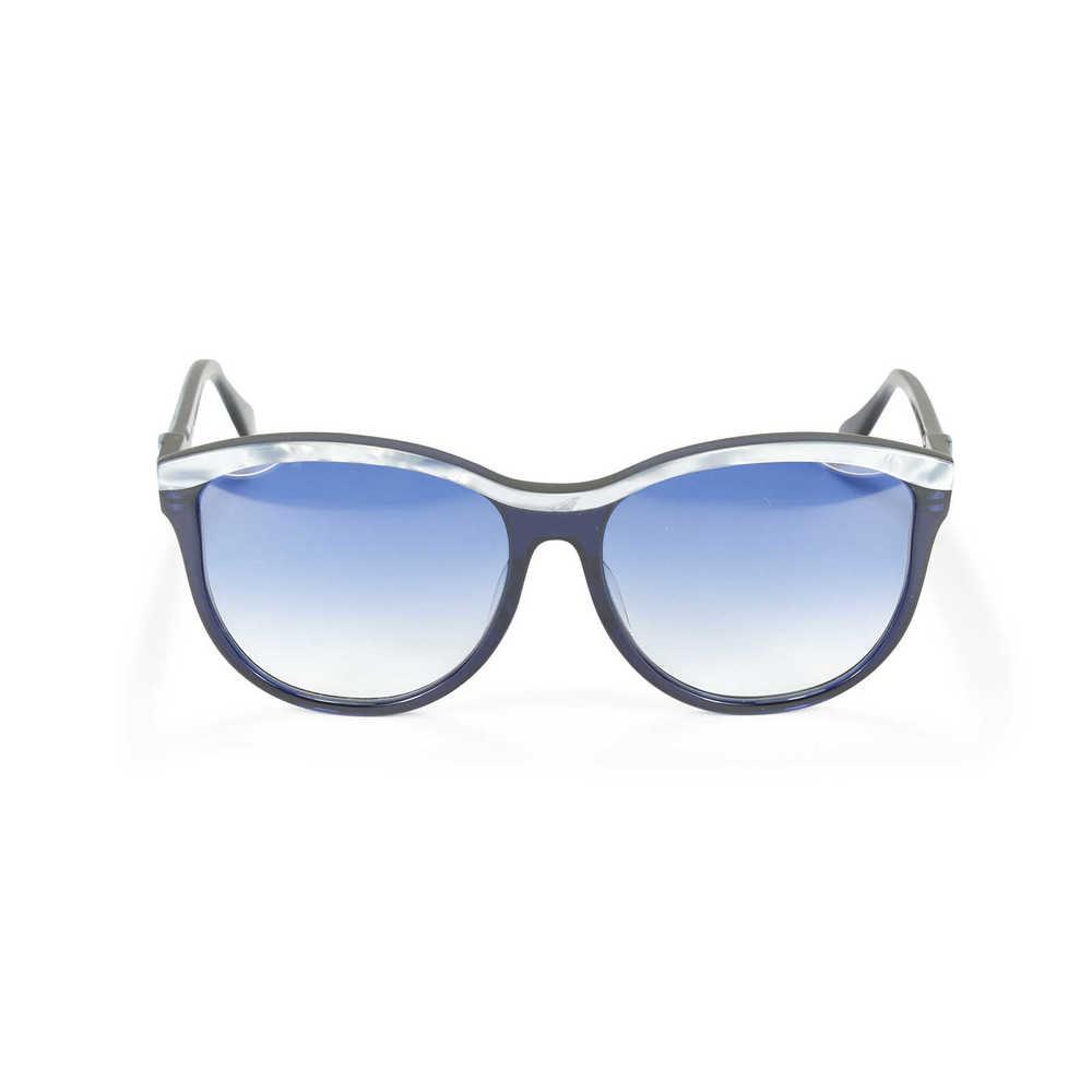victoria-beckham-shell-lens-sunglasses-1.jpg