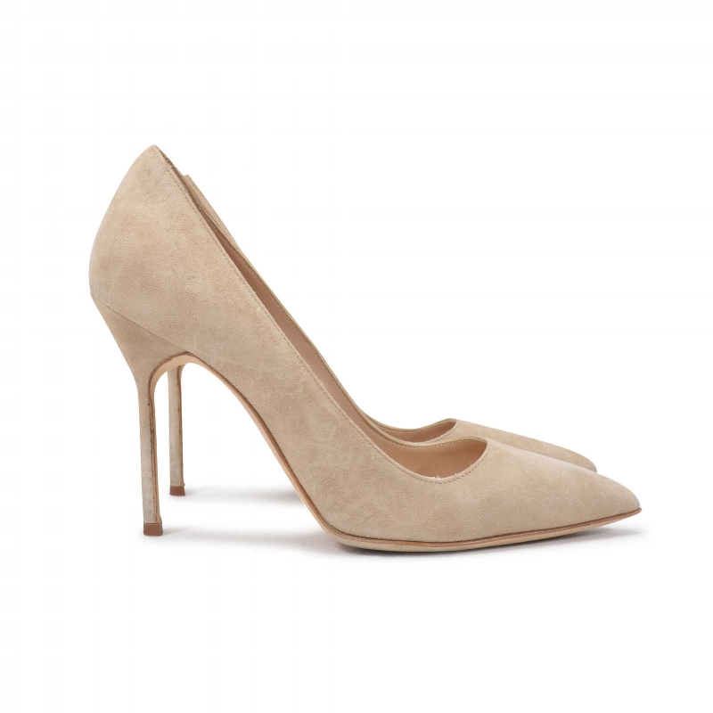 MANOLO BLAHNIK Nude suede BB pumps