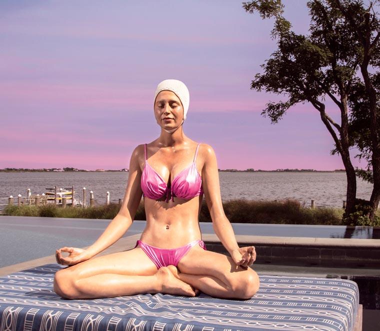 Carole-Feuerman-Swimmers-5.jpg
