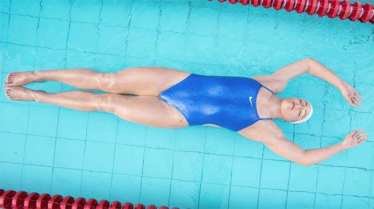 Carole-Feuerman-Swimmers-7.jpg
