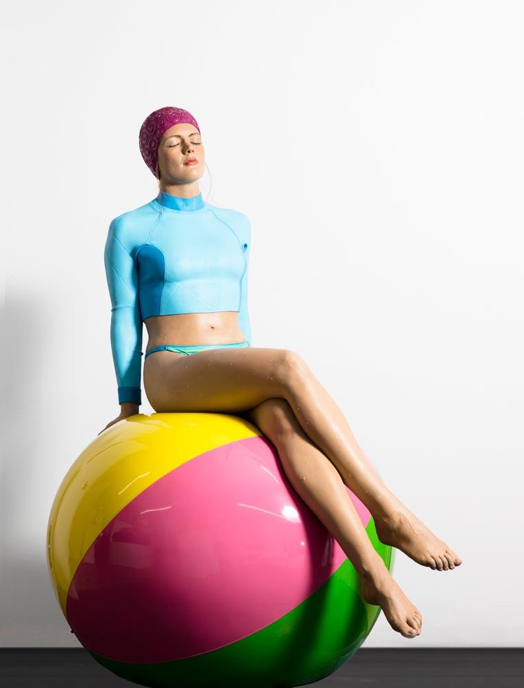 Carole-Feuerman-Swimmers-11.jpg