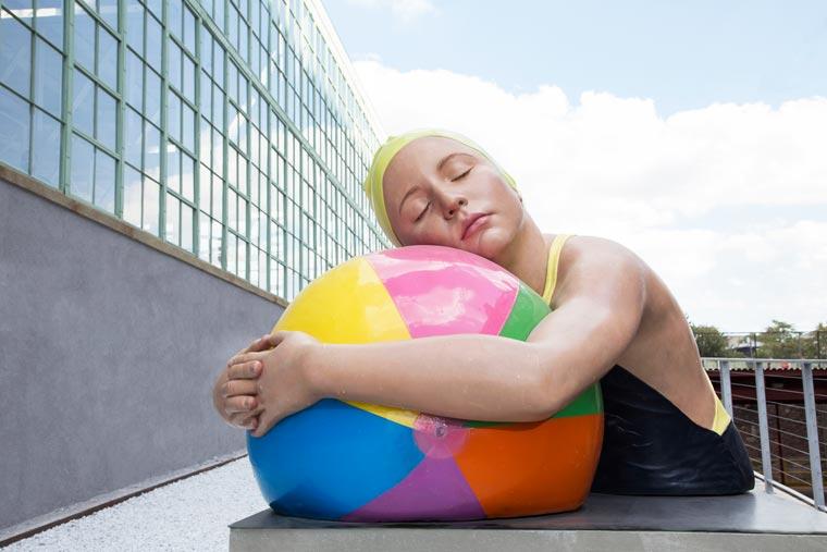 Carole-Feuerman-Swimmers-12.jpg