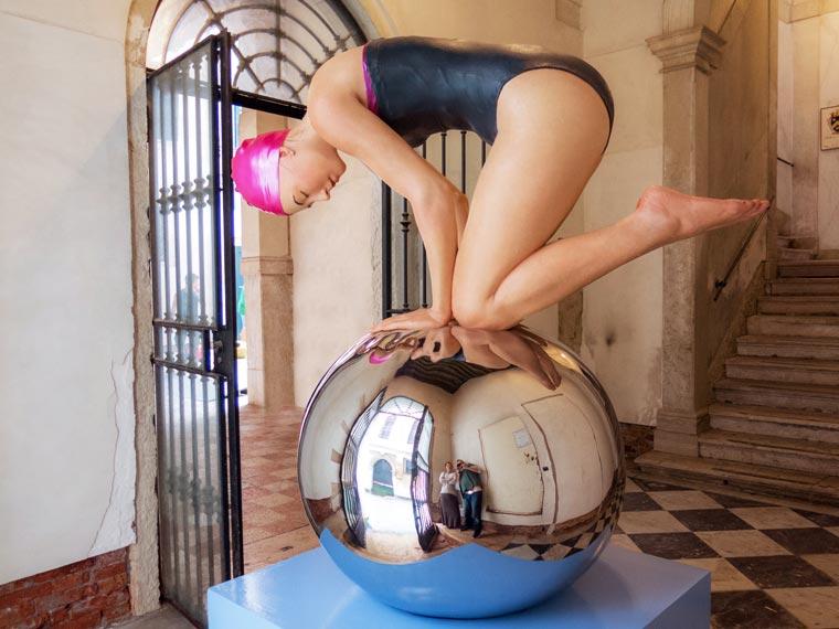 Carole-Feuerman-Swimmers-13-1.jpg