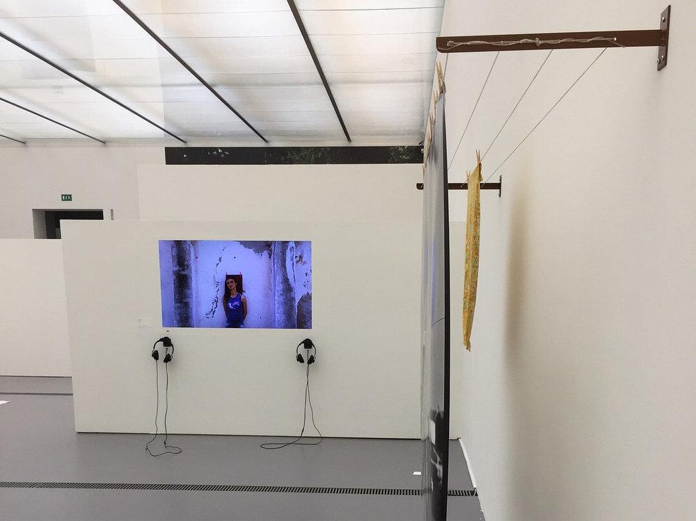 Torn, 2018, installation photo et vidéo