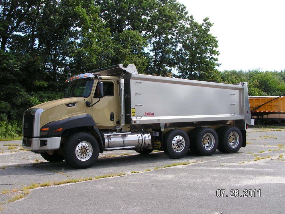 Cat Truck 2011 (12).jpg
