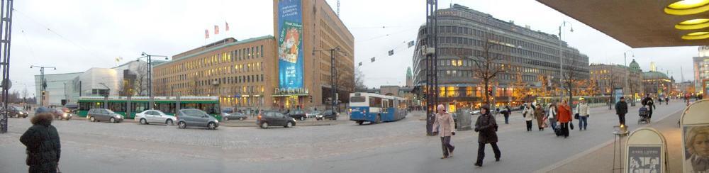 Mannerheimintie_Helsinki-Panorama.jpg