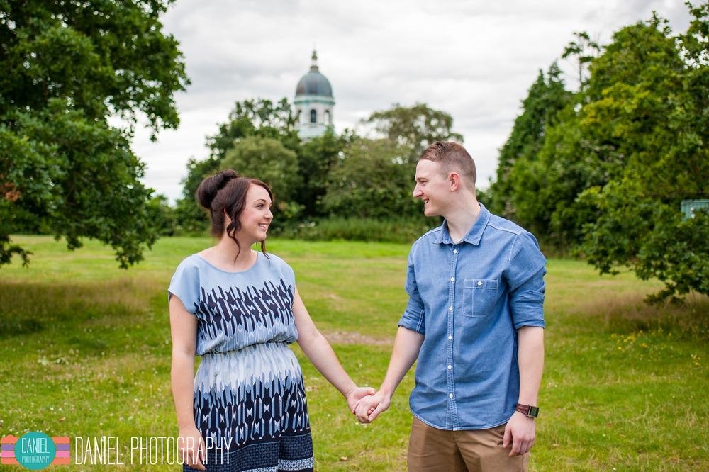 Laura&Steve_Engagement_web003.jpg