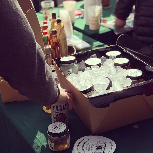 Edwin and Sons cocktail cooler was a huge hit at the Jolly Collie holiday party, hard to beat day drinking with friends to get in the holiday spirit. #edwinandsons #christmascocktails #edwinsandsonschristmas #holidaycheer