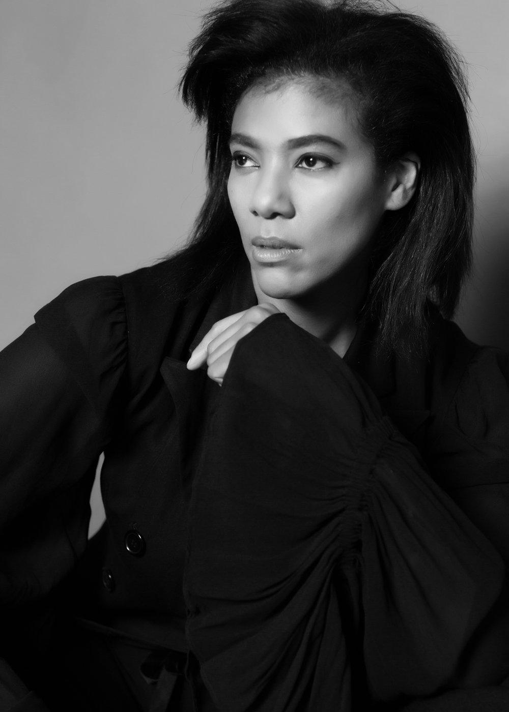 NOIR INDULGENCE - Black and White Classic Portrait Photography         Normal 0     false false false  EN-US JA X-NONE                                                                                                                                                                                                                                                                                                                                                                                                                                                     /* Style Definitions */ table.MsoNormalTable {mso-style-name: