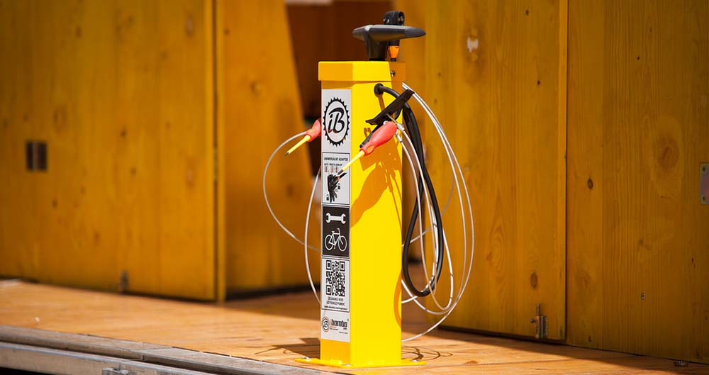 Public-Bicycle-Pump-Turvec.jpg