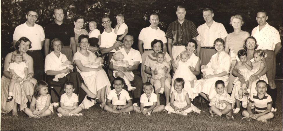 Schmid Family Reunion Summer 1958.png