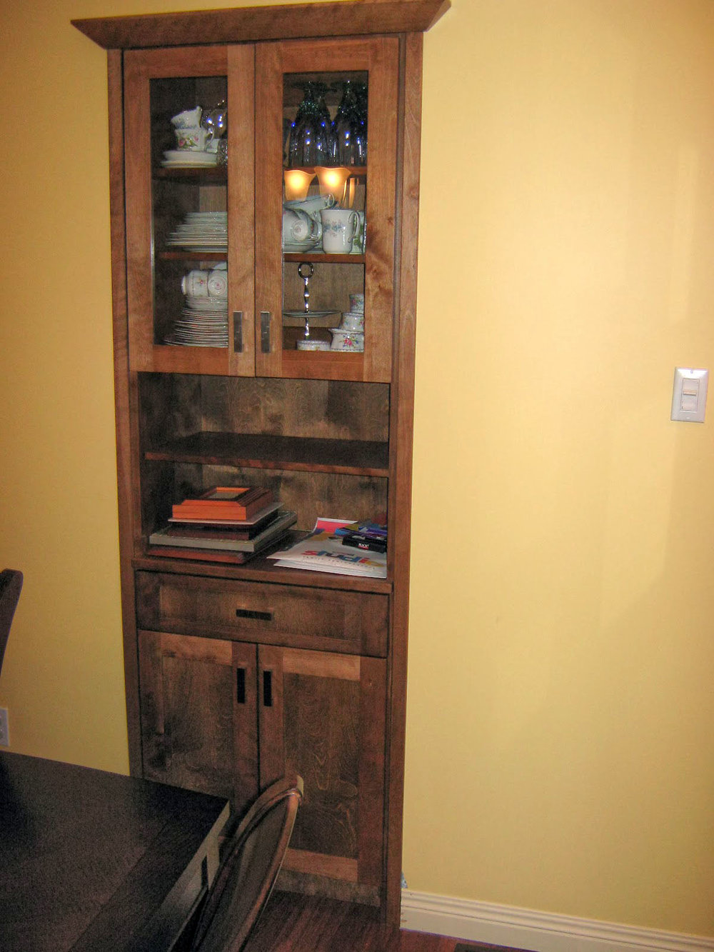 BUILT-IN BUFFET & HUTCH