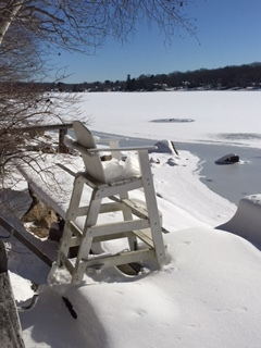 lifeguard chair in Jan..JPG