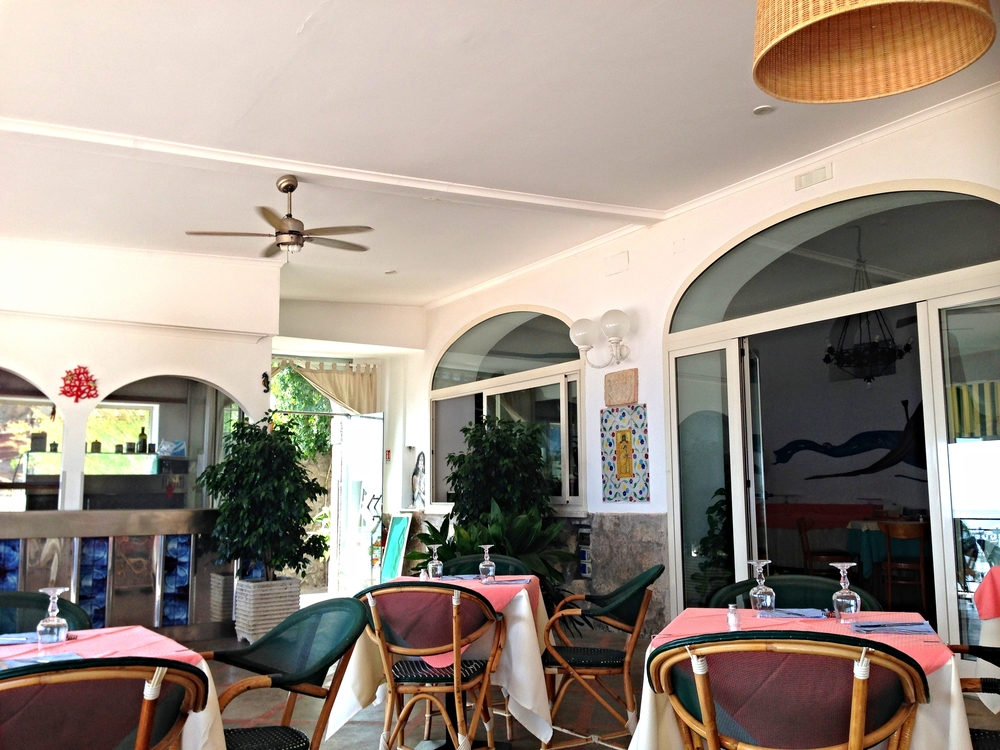 Vegan food at Pupetto Cafe restaurant, Positano, Italy