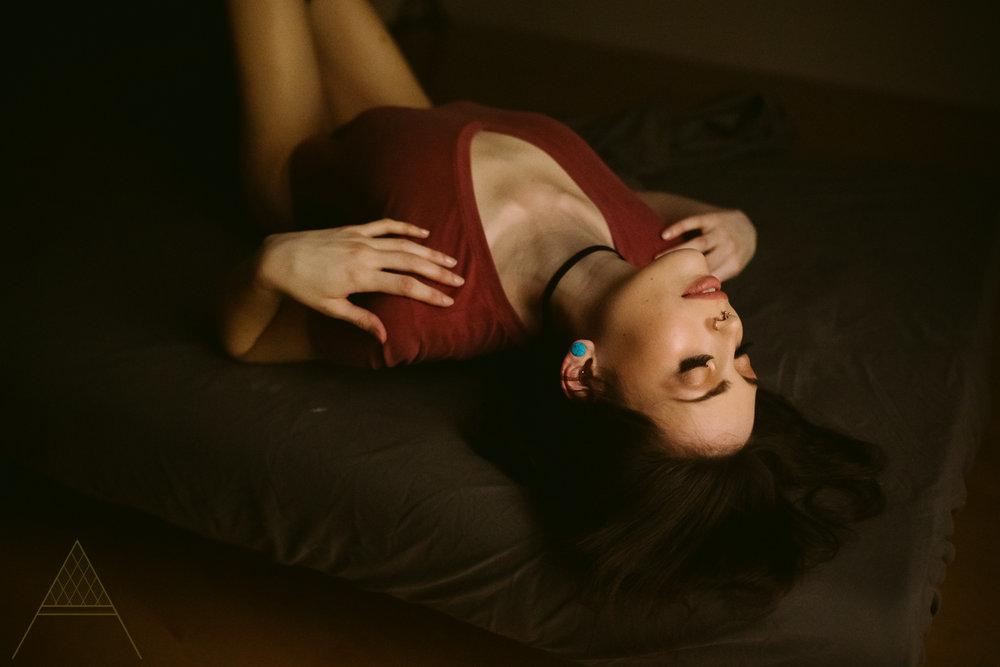 aiota-boudoir-intimate-portrait-photography-vancouver-5.jpg
