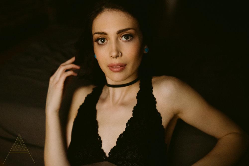 aiota-boudoir-intimate-portrait-photography-vancouver-9.jpg