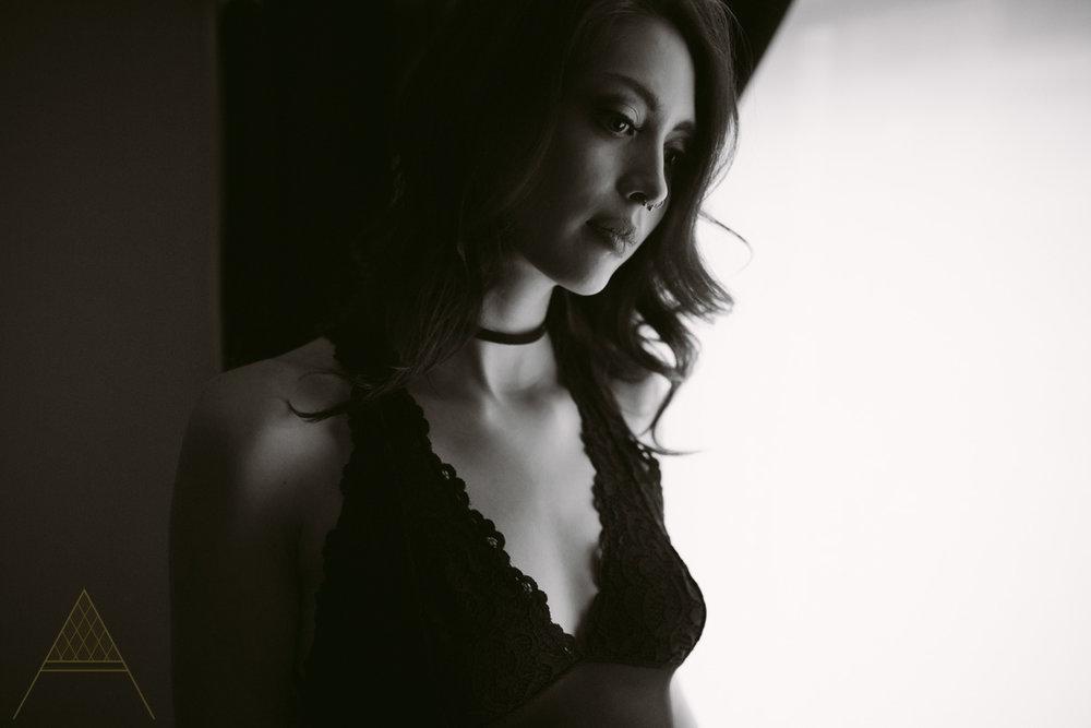 aiota-boudoir-intimate-portrait-photography-vancouver-13.jpg