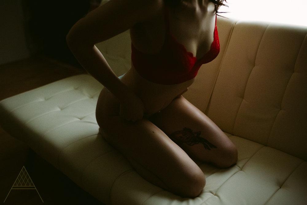 aiota-boudoir-intimate-portrait-photography-vancouver-25.jpg
