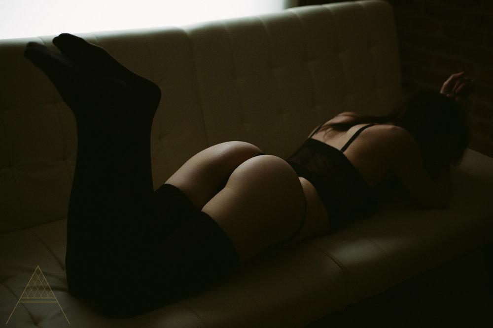 aiota-boudoir-intimate-portrait-photography-vancouver-41.jpg
